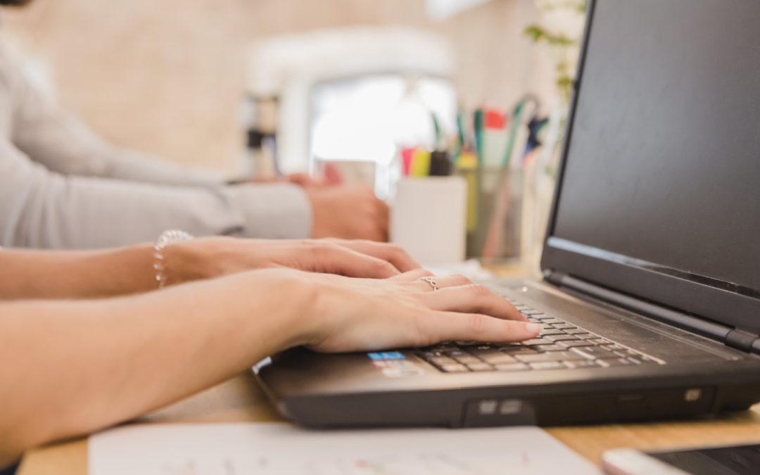 Jak napsat závorky, zpětné lomítko, stupeň nebo krát?
