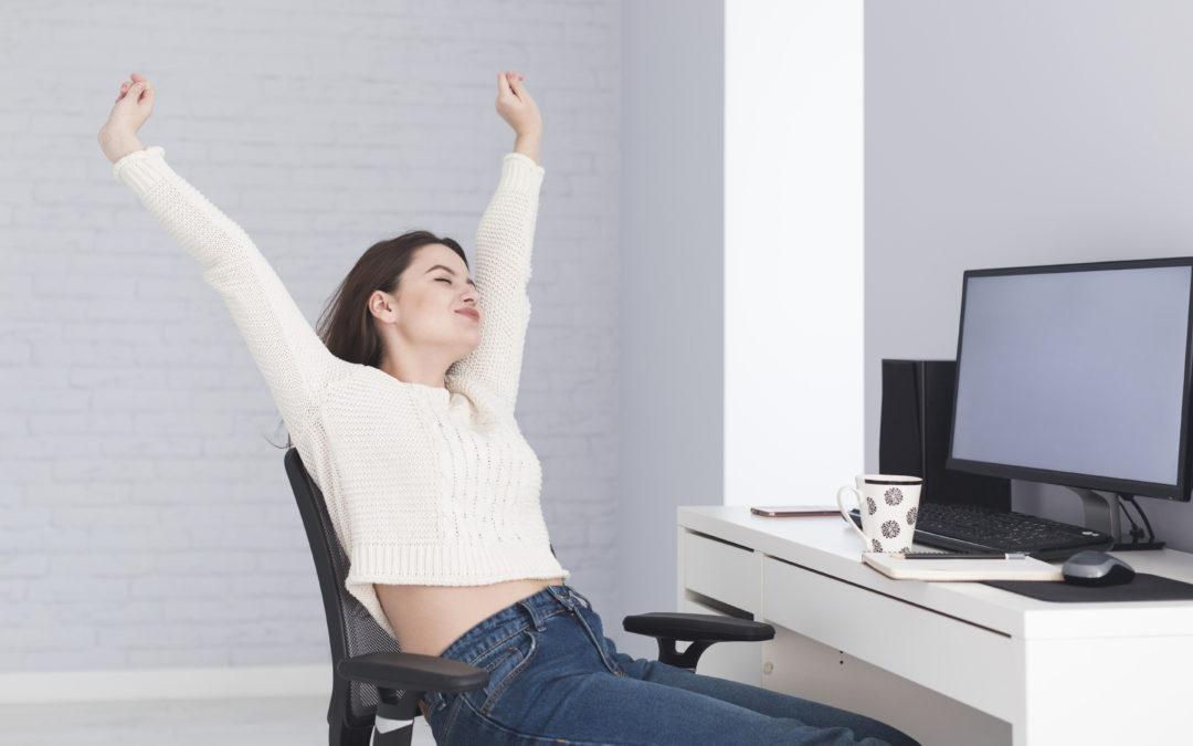 Cviky k počítači #4: protáhněte ruce a nohy